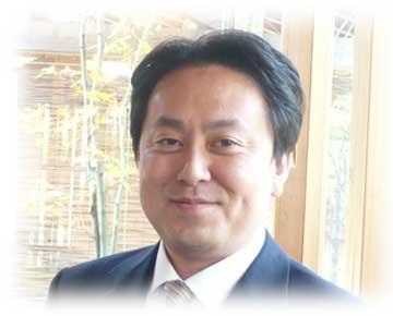lakuju-staff1.jpg